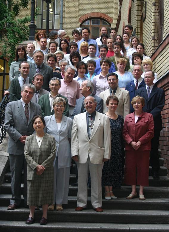 csoport2004