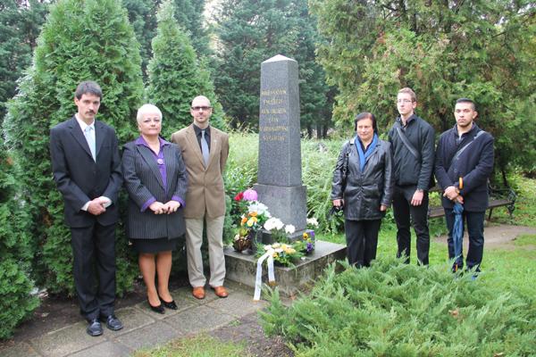 Erinnerung im Friedhof (2014)