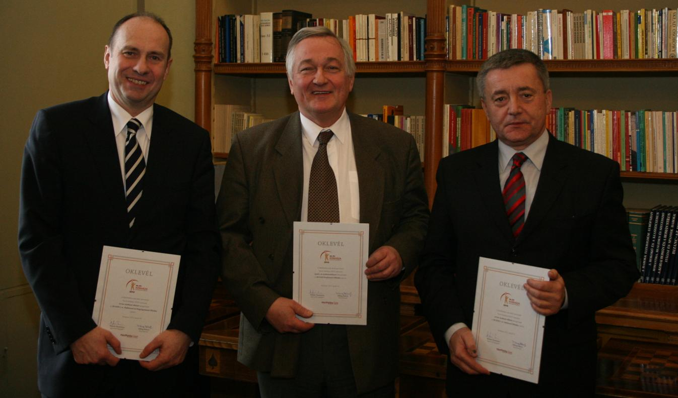 (left to right:) Dr. János Rigó, Director of the 1st Department of Obstetrics and Gynaecology, Dr. György Acsády, Director of the Department of Vascular Surgery, and Dr. László Harsányi, Deputy Director of the 1st Department of Surgery
