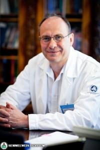 Dr. Rigó János az I. Sz. Szülészeti és N?gyógyászati Klinika igazgatója