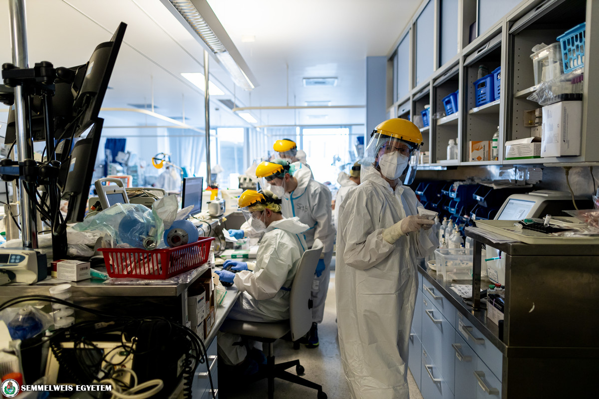 COVID care at the Cardiology Intensive Care Unit of the Heart and Vascular Centre, 2021 March – Photo: Attila Kovács, Semmelweis University