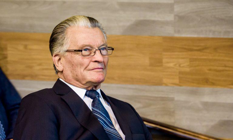 Elhunyt Dr. Monos Emil professor emeritus