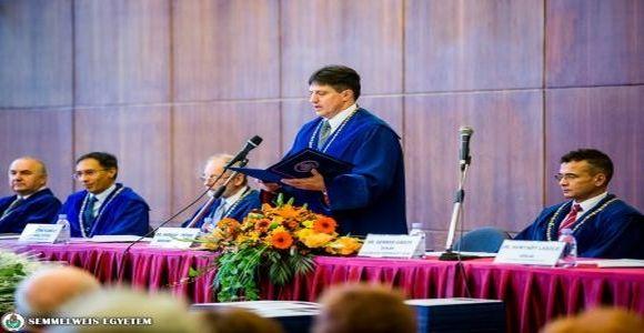 Jubileumi Díszdiplomákat adtak át a Fogorvostudományi Karon