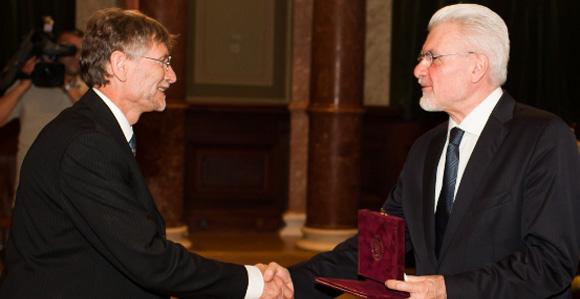 Dr. Bagdy György Akadémiai díjban részesült