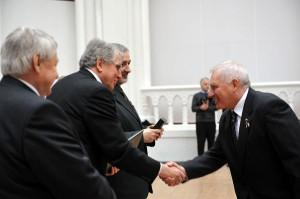 Dr. Gyene István 2012-ben a Magyar Arany Érdemkereszt átvételekor