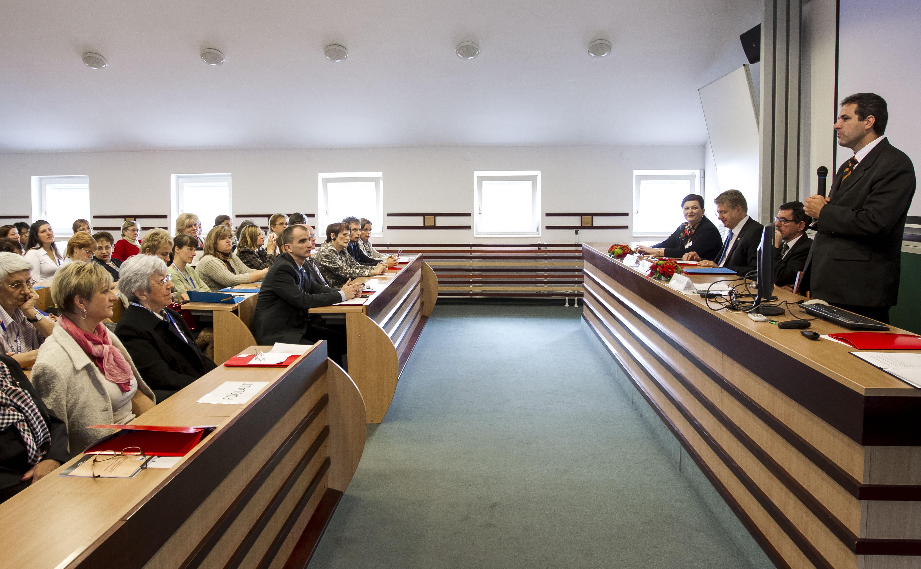 oldal ápolók találkozó)