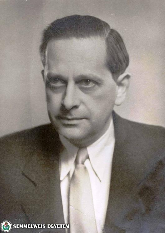 Dr. Zoltán Imre (1909-2002) 1947 és 1979 között a II. Sz. Szülészeti és Nőgyógyászati Klinika vezetője (1950-től igazgató)