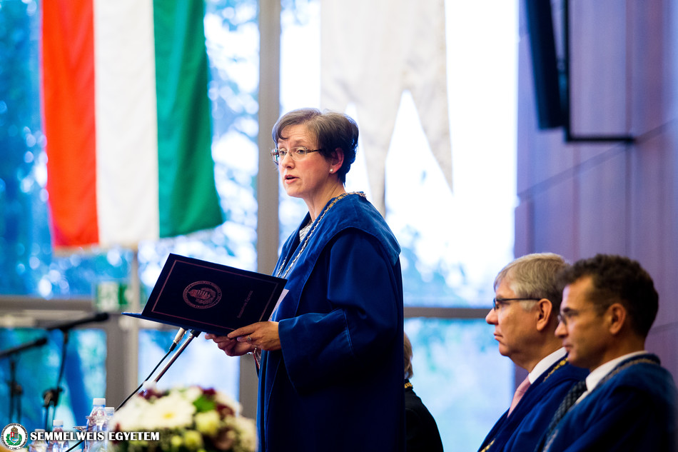 2016.11.05. Gyógyszerésztudományi kar jubileumi diplomaosztója.
