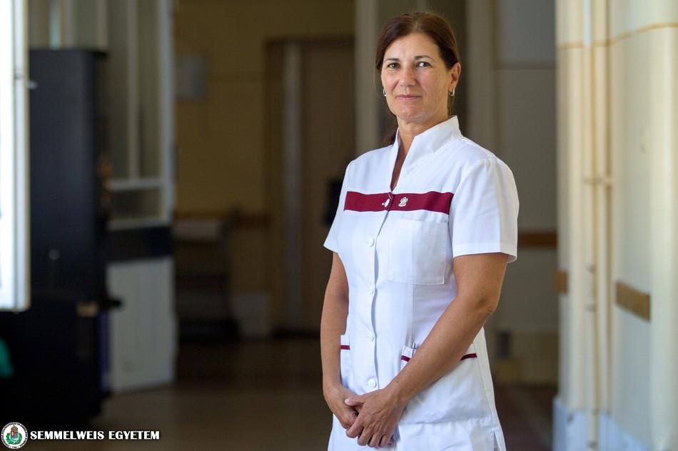 Az empátia és a személyes példamutatás elengedhetetlen – Dr. Ruzsvánszkyné Kocsis Ildikó, az I. Sz. Sebészeti Klinika vezető főnővére