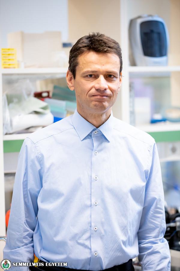 Dr. Csanády László