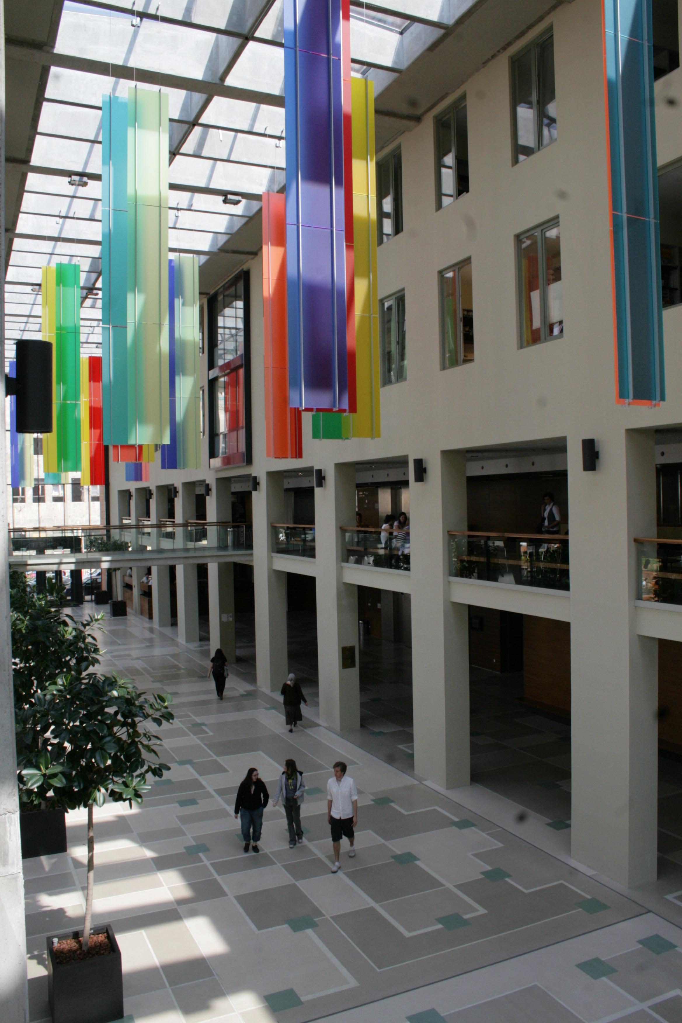 Elméleti Orvostudományi Központ aula fotó: D. Kiss Balázs
