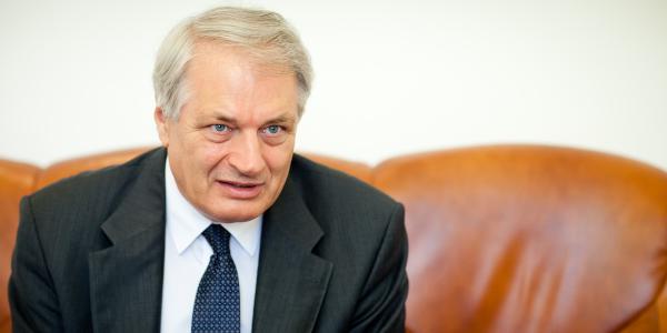 Dr. Klebovich Imre: ipari szemlélet és nemzetközi kapcsolatok nélkül nincs fejlődés