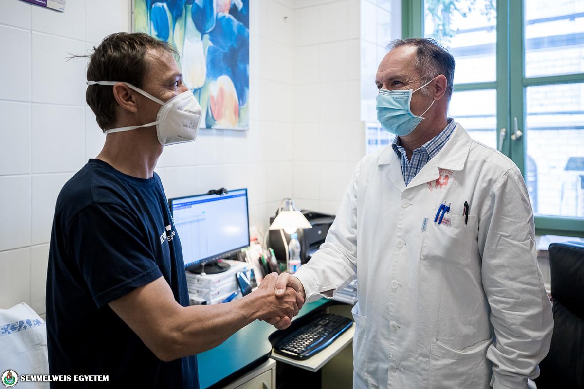 Az 500. élődonoros veseátültetett beteg és dr. Wagner László
