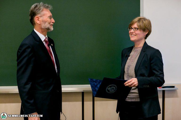 Dr. Sebestyén Anna kapta a Hugonnai Vilma Émlékérmet
