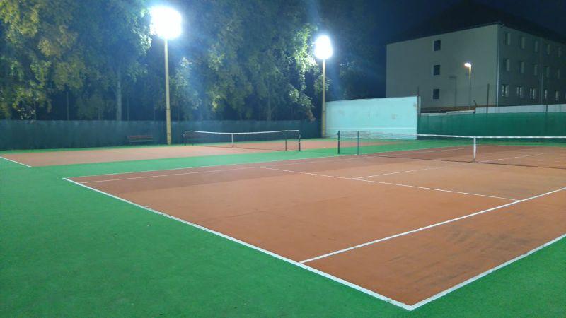 Esti teniszezési lehetőség