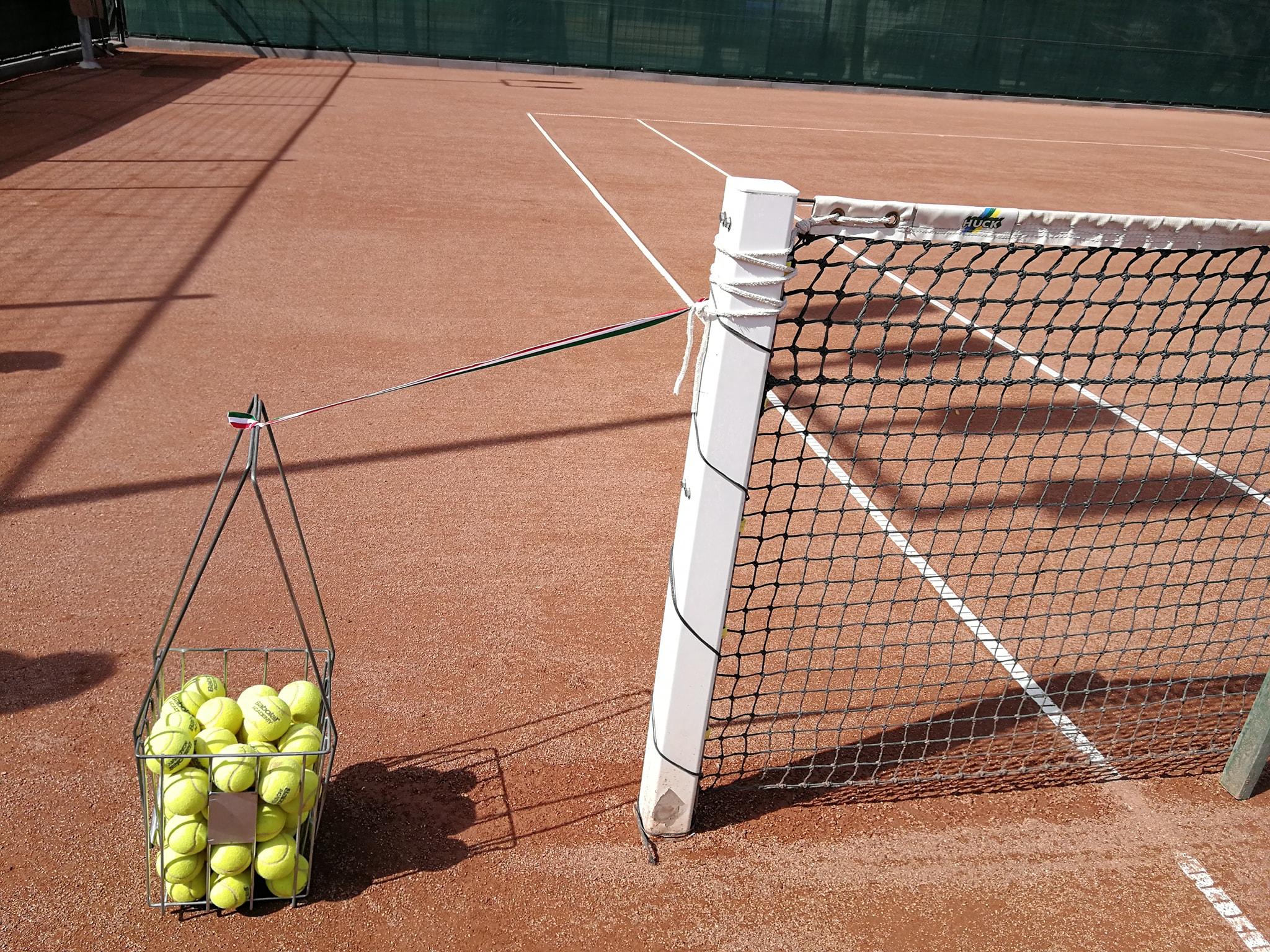 Teniszpálya nyitás