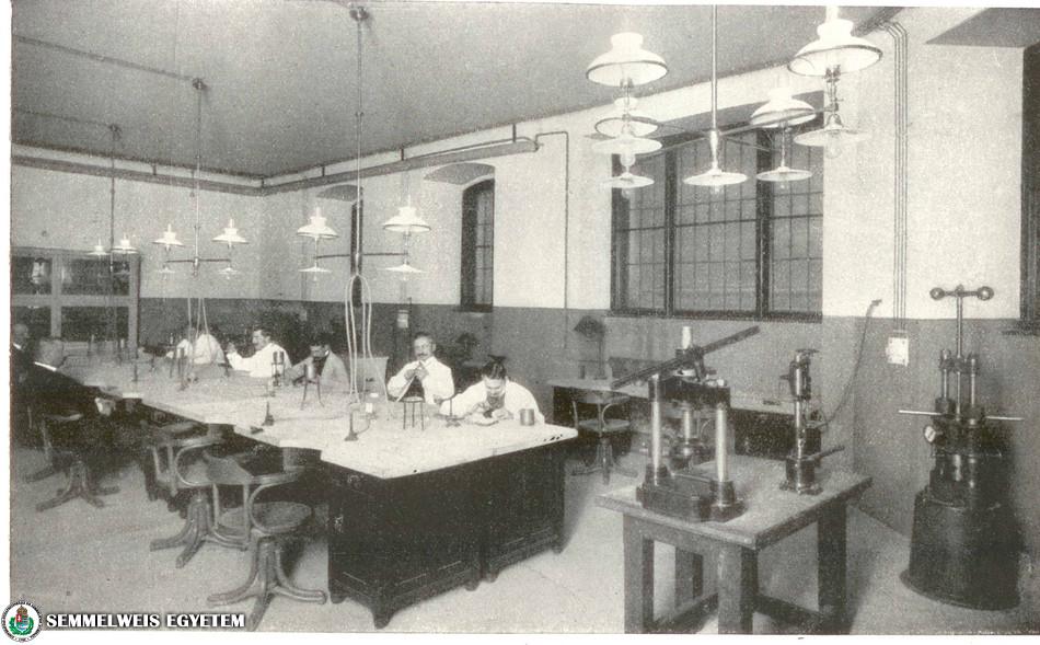 Stomatológiai Klinika fogtechnikai laboratóriuma 1909-ben